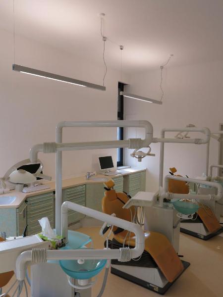 Kiefernorthopäde Bad Kreuznach Behandlungsraum Lichtplanung Lichtkonzept Lampen Henrich