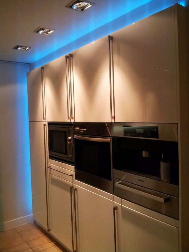 Küche Creativ Hochschrank Einbaustrahler LED Lampen Henrich