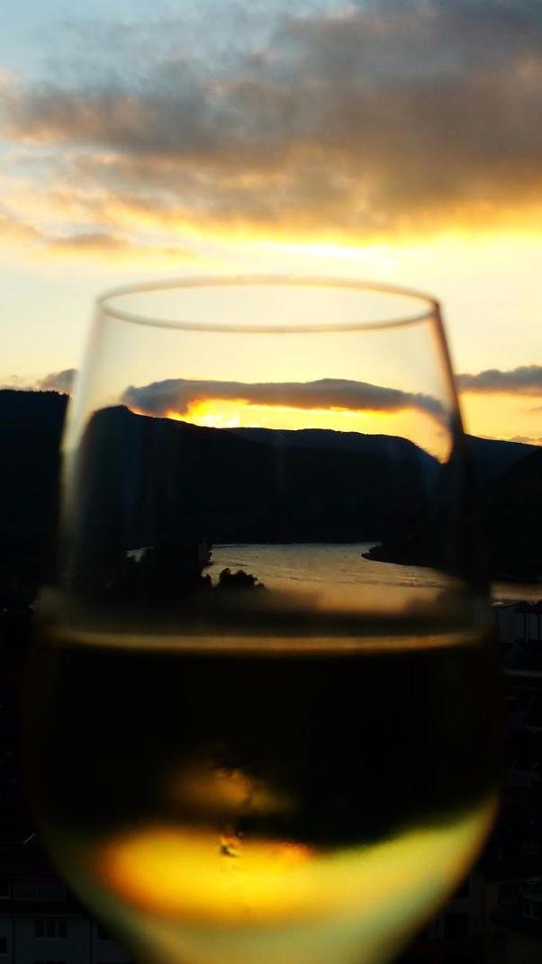 Binger Loch, Bingen, Lichthaus, daslichthaus, Lampen Henrich, Sonnenuntergang, goldener Wein, Weßwein, Mäuseturm